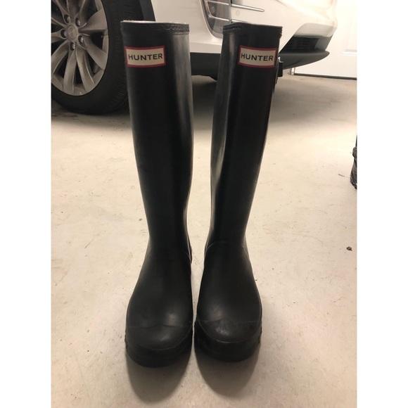 Hunter Wide Calf Rain Boots In Matte